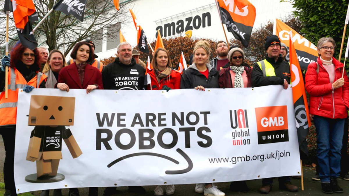 on strike amazon workers walk out in germany spain italy and the u k. Black Bedroom Furniture Sets. Home Design Ideas